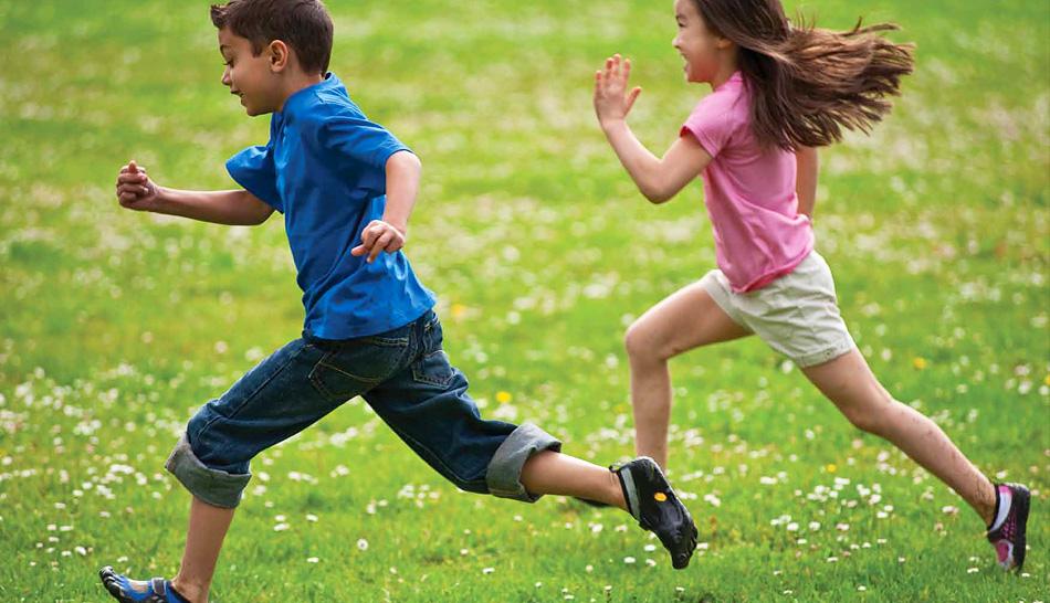 Дети бегают картинка
